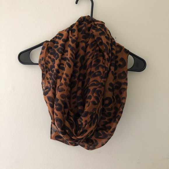 boutique Accessories - 🐆🐆 Infinity loop scarf 🐆🐆